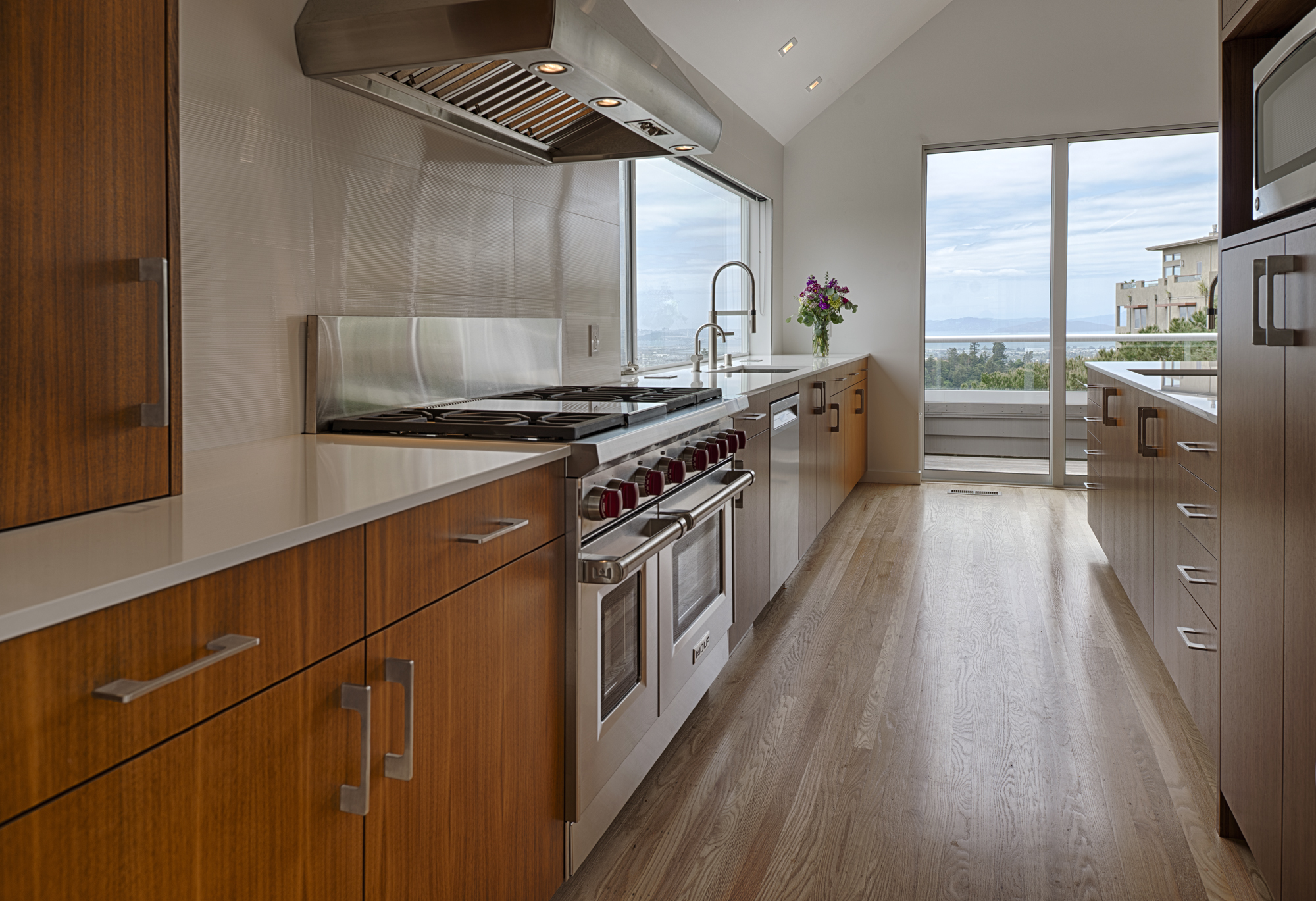 Contemporary Kitchens  10